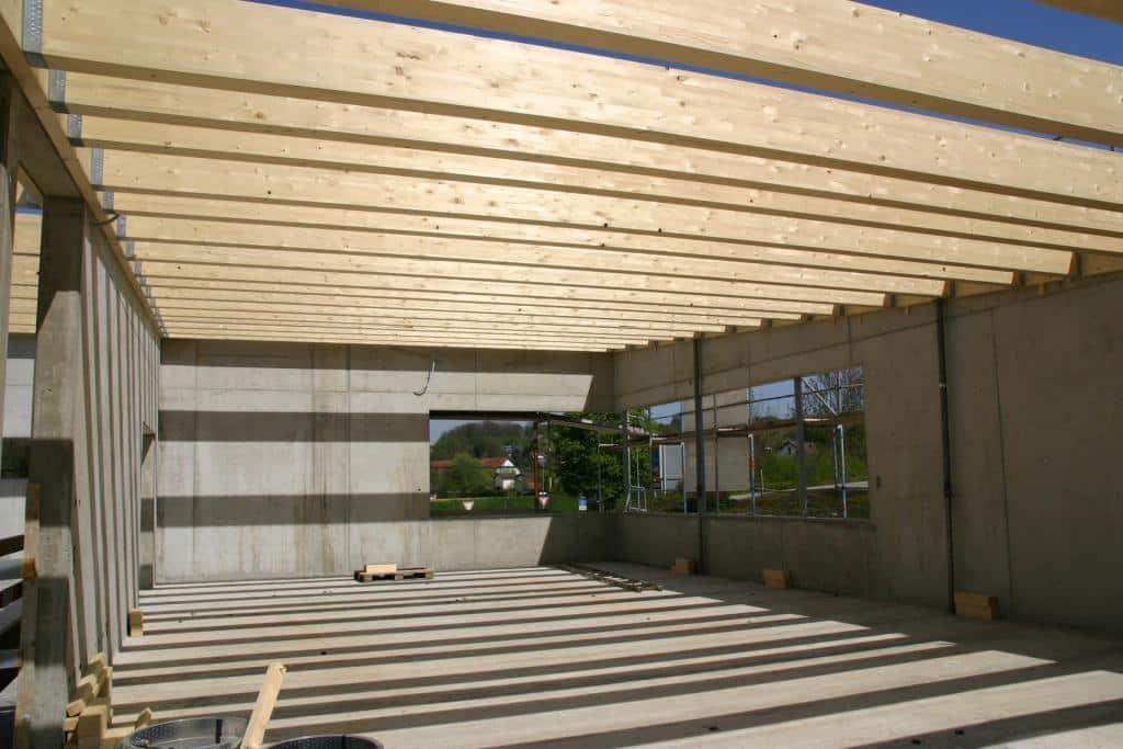 Dach wird montiert